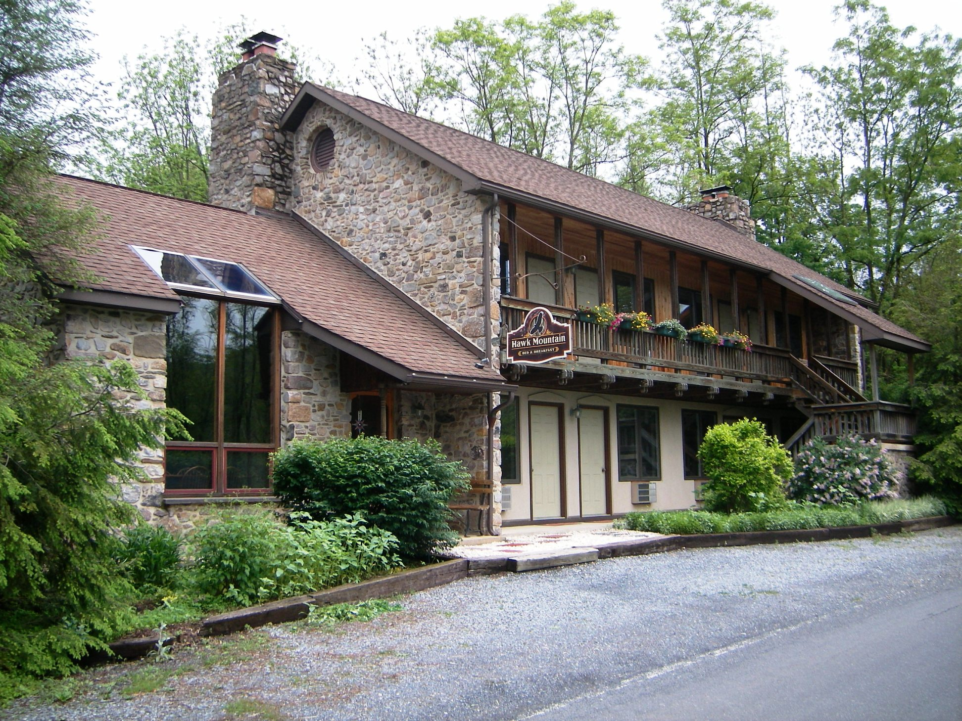 hawk mountain b&b | the perfect place to relax and unwind…